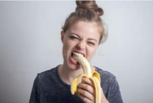 can fruit rot your teeth